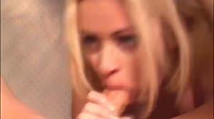Sex film - Blond tienertje(18+) krijgt anale sex les van haar buren